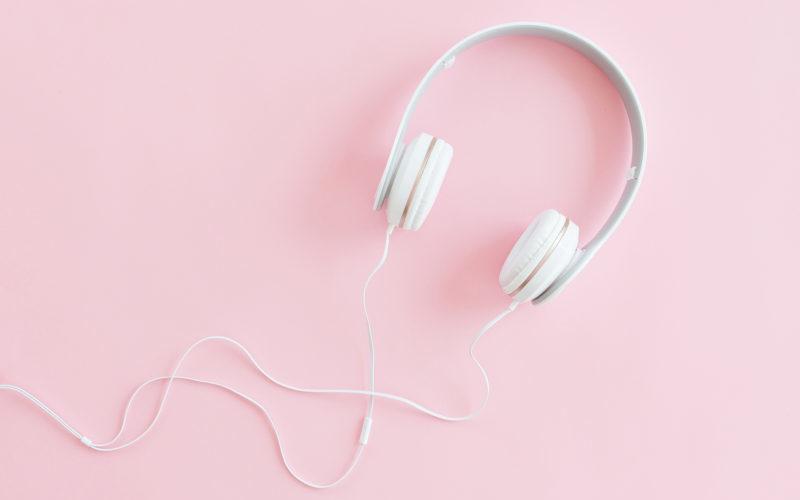 benefits of audiobooks vs reading