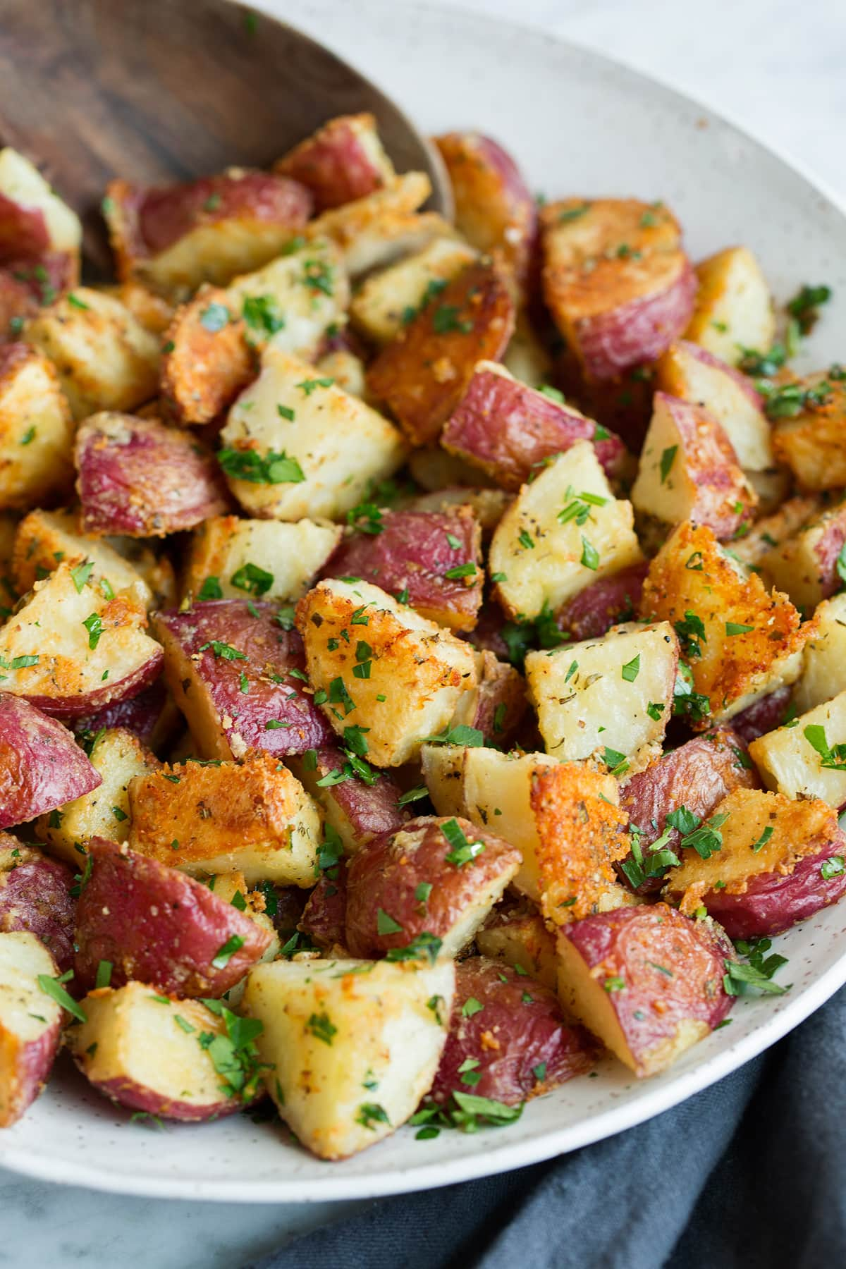 Looking for some easy thanksgiving recipes side dishes? This article has the best make-ahead thanksgiving side dishes whether you're looking for Veggies, milk, southern, salts, stuffing .#thanksgiving #holiday #recipes #my fav is #6